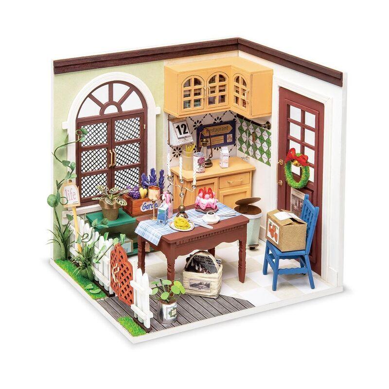 Mrs. Charlie's Dinnin Room -
