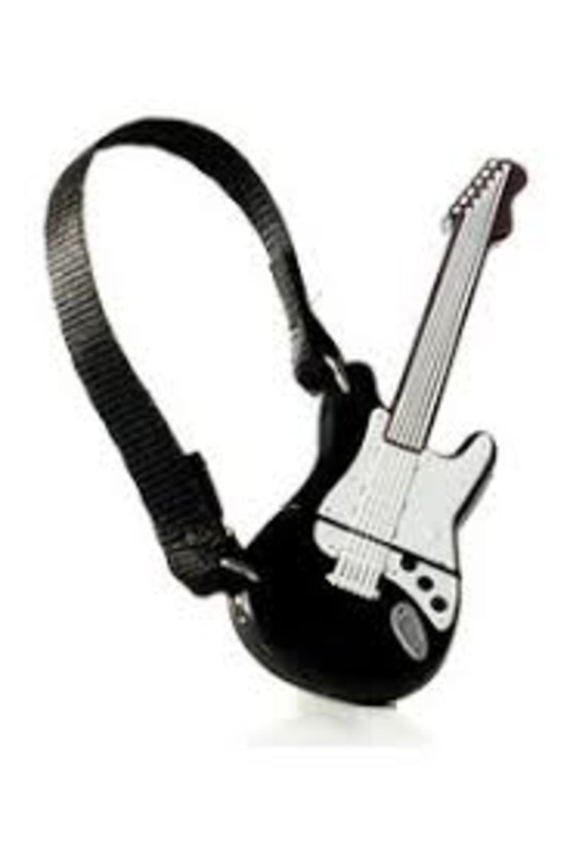 MEMORIA USB 32 GB GUITARRA ONE NEGRA
