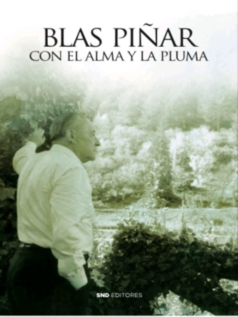 CON EL ALMA Y LA PLUMA