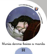 MUNIA DORME BAIXO A CAMA